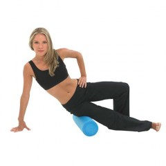 fitness_mad_18_inch_foam_roller_fitness_mad_18_inch_foam_roller_in_use_2000x2000